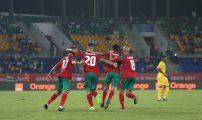 جزائريون يشاركون المغاربة فرحتهم بعد الانتصار على الطوغو