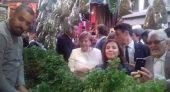 فيديو.. المستشارة ميركل تتجول في شوارع مراكش وسط الأسواق