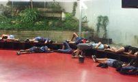 قاصرون مغاربة يفترشون الأرض بمخفر للشرطة ببرشلونة منذ 4 أيام