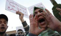 """نشطاء يدعون لتنظيم قافلة وطنية نحو الحسيمة والانخراط في """"مسيرة الغضب"""" يوم السبت"""