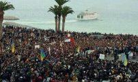 """الآلاف يتوافدون على ساحة """"التحرير"""" بالحسيمة لتخليد أربعينية """"شهيد الحكرة"""" (فيديو وصور)"""