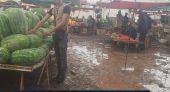 """"""" فيديو يوثق للكارثة بالسوق الأسبوعي بمدينة ازغنغان الناظور حيث صحة المستهلك في خطر حقيقي """""""