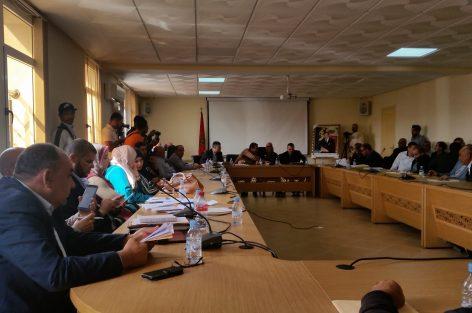ساكنة سلوان تطالب بتحقيق في انتشار العشوائي. ..وأعضاء من المعارضة في قفص الاتهام….