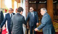 الملك محمد السادس يستقبل غوتيريس ويؤكد دعمه لجهوده لإنهاء النزاع الإقليمي حول الصحراء