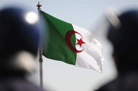 الحزب الحاكم في الجزائر يتخلى عن بوتفليقة