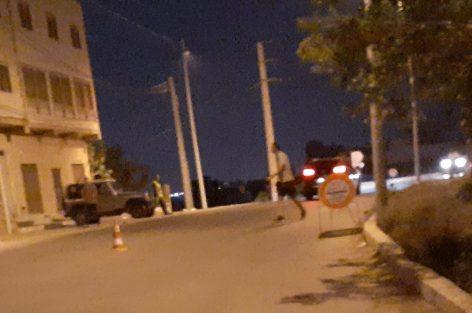 حصار غريب للساكنة المحلية بالجماعة ايث شيشار على مستوى ملتقى الطرق( تشينو )