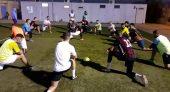 لانعدام البنيات التحتية والمرافق الرياضية – فريق نهضة بني شيكر لكرة القدم يجري تداريبه بمليلية المحتلة