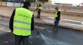 رئيس جماعة بني اوكيل اولاد امحند ضواحي الناظور يشرف على تعقيم الشوارع العمومية والإدارات