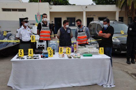 الشرطة القضائية تستعرض بالمنطقة الإقليمية للأمن الوطني بالناظور محجوزاتها من المخدرات